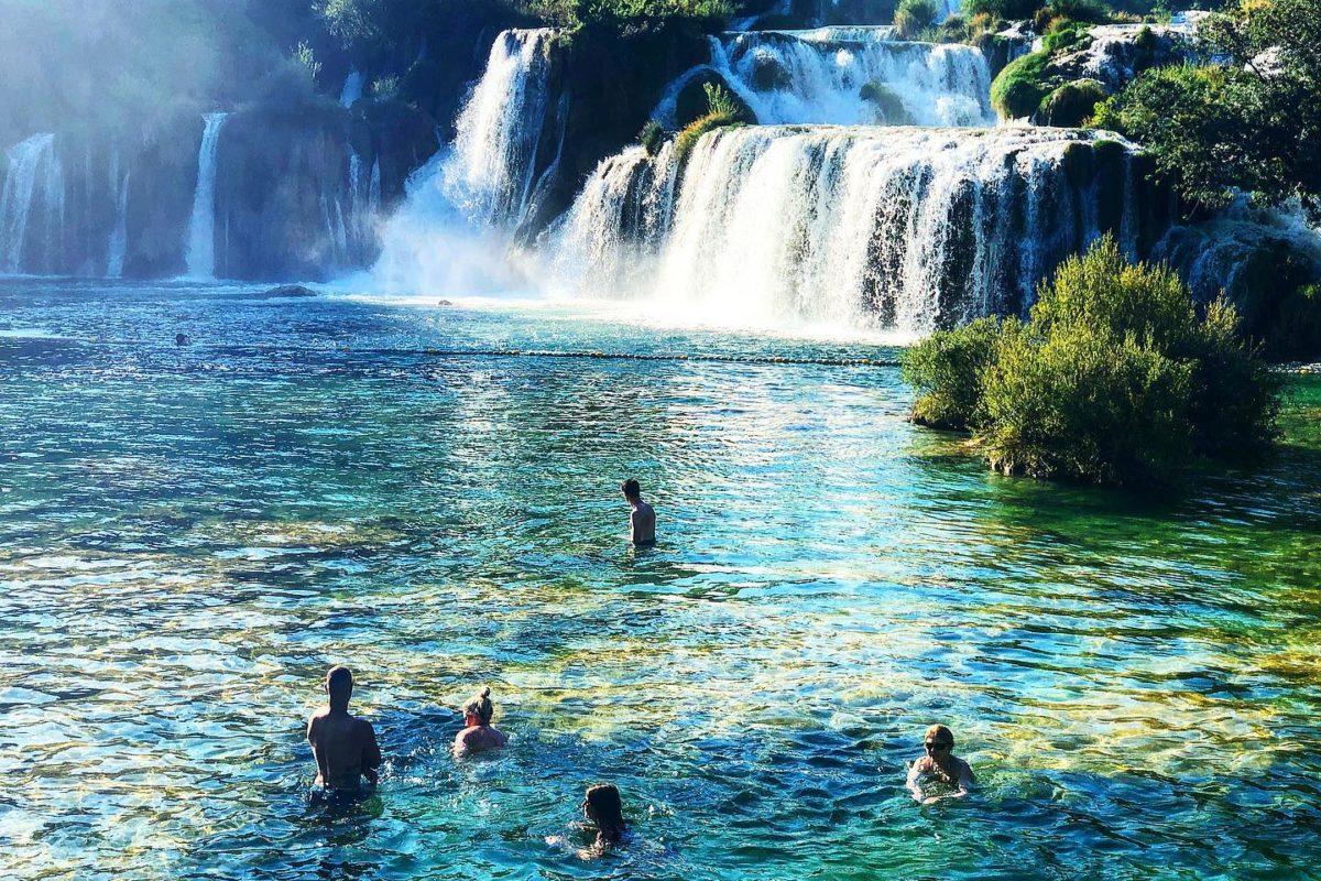 Ja! Hier bin ich gestern schwimmen gegangen. Meine neuen Garten-Pool-Ziele !!!! . ...