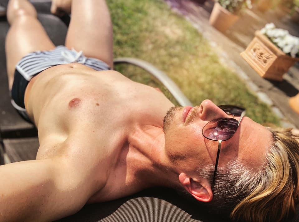 Lass die Sonne herein. Ich bin bereit für diesen Sommer. Genießen Sie dieses herrliche Wetter so ...