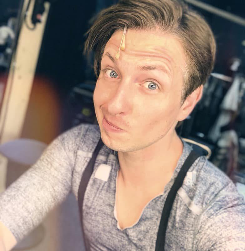 Das Quasimodo-Gesicht üben. Einen schönen Sonntag euch allen! #sundayshow #sonn ...