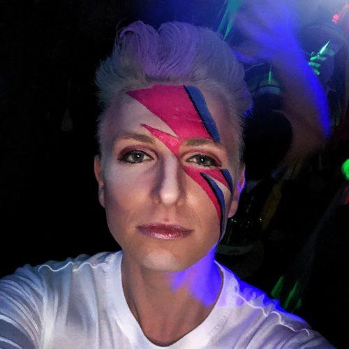 Ich war letzte das erste Mal Karneval Mitglieder in Köln! Und zwar David Bowie Styl ...