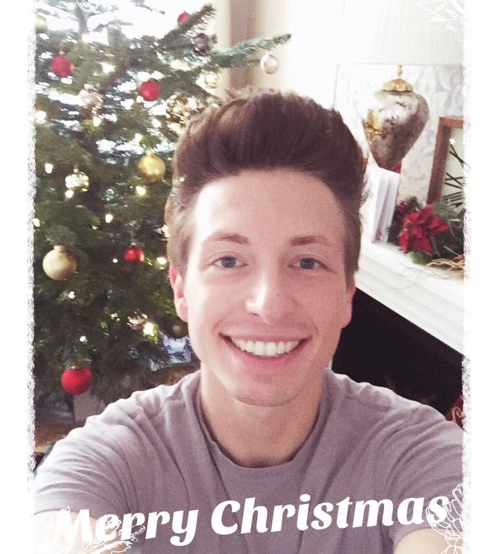 Ihr lieben! Ich wünsche euch allen eine wundervolle besinnliche Weihnachtszeit! ...