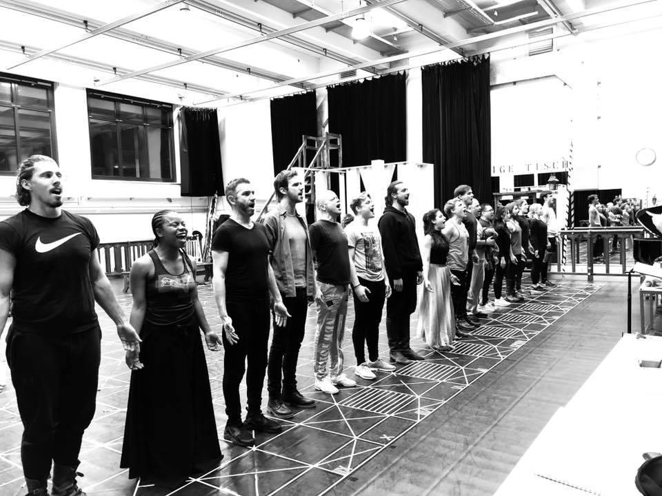 Proben im Studio gemacht! Lass uns auf die Bühne gehen! So stolz auf diese Leute! #h ...