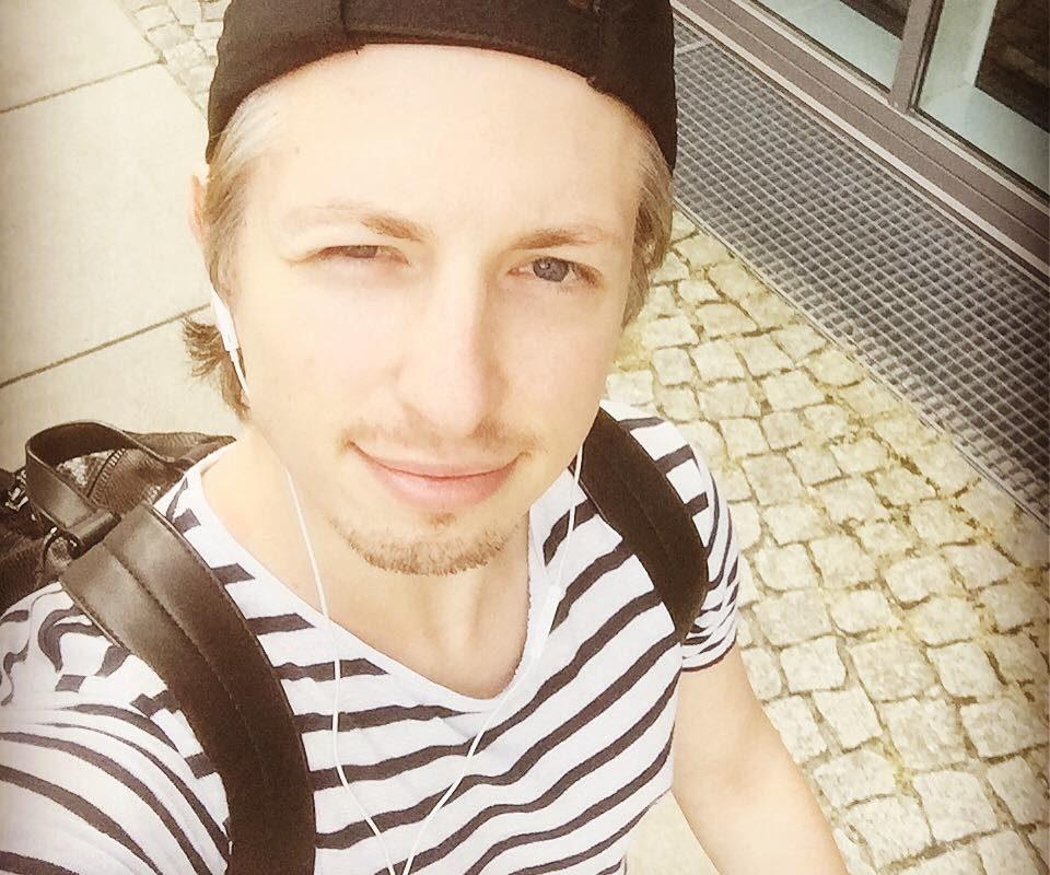 #produktiv #sonnyday #cap #stripes #berlin #musical #teamkevin #kevinkoehlerfan ...