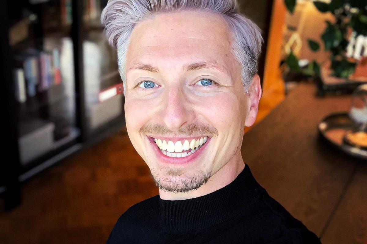 FinallFinall Ich ließ mir meine Haare schneiden!!! Es wurde Zeit. Silverfox ist zurück! Liebe es! Th ...